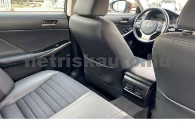 IS 300 személygépkocsi - 2494cm3 Hybrid 105610 11/12