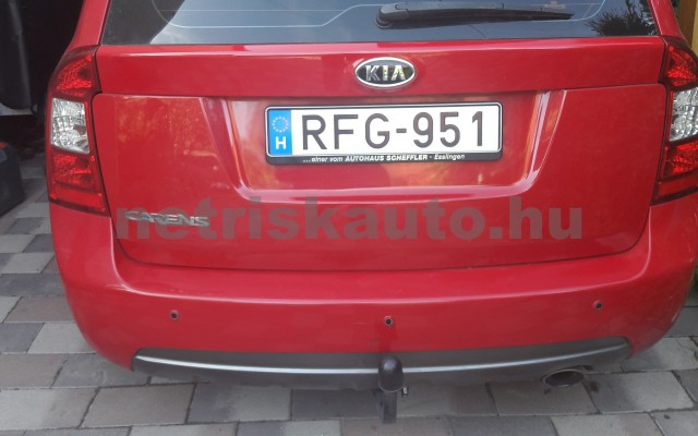 KIA Carens Kia Carens 2.0 automatik spirit személygépkocsi - 1998cm3 Benzin 19723 2/12