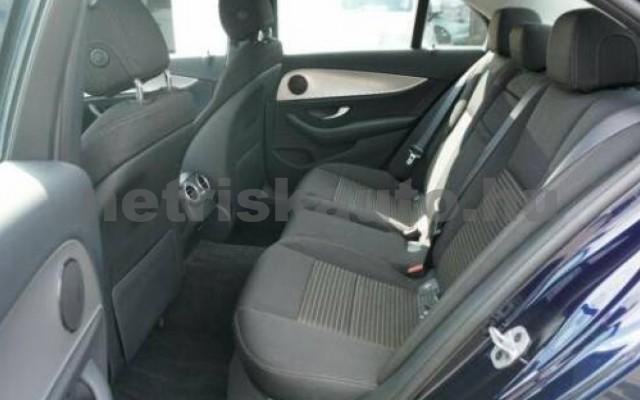 E 250 személygépkocsi - 1991cm3 Benzin 105835 10/11