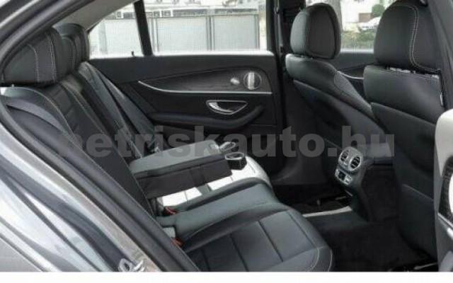E 350 személygépkocsi - 2925cm3 Diesel 105856 5/8