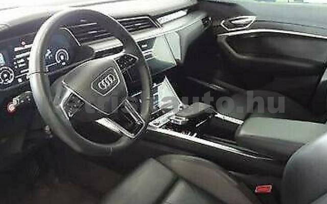 AUDI e-tron személygépkocsi - cm3 Kizárólag elektromos 109688 3/4