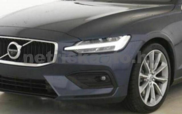 V60 személygépkocsi - 1969cm3 Hybrid 106399 2/10