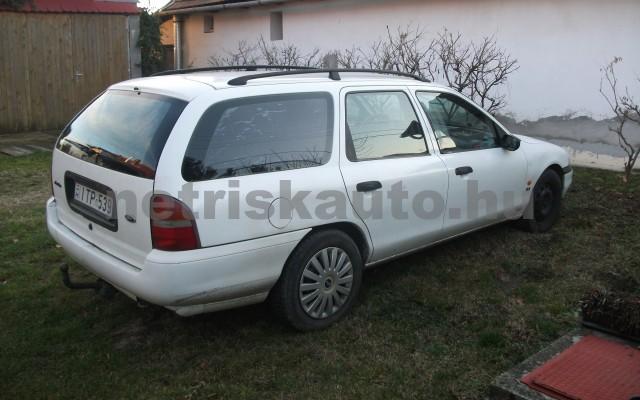 FORD Mondeo Mondeo Turnier 2.0 16V CLX  személygépkocsi - 1998cm3 Benzin 25815 2/3
