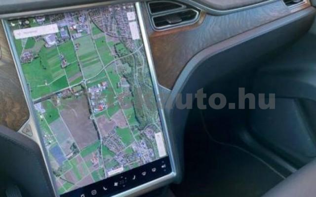 Model X személygépkocsi - cm3 Kizárólag elektromos 106248 12/12