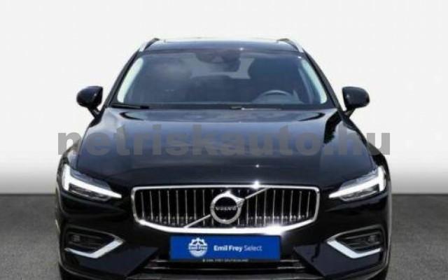 V60 személygépkocsi - 1969cm3 Hybrid 106402 2/10