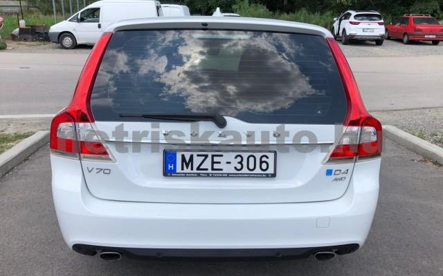 VOLVO V70/XC70 2.4 D [D5] Dyn. Ed. Kin. Geart személygépkocsi - 2400cm3 Diesel 98324 3/12