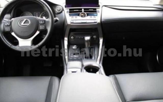 NX 300 személygépkocsi - 2494cm3 Hybrid 105655 9/10