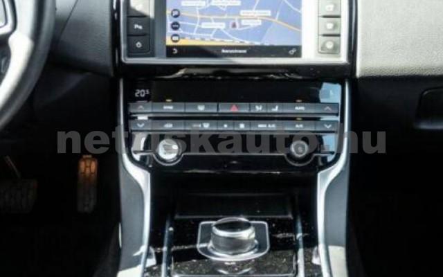 XE személygépkocsi - 1999cm3 Diesel 105456 9/12