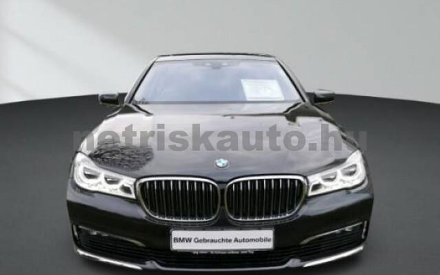 BMW 750 személygépkocsi - 4395cm3 Benzin 43009 2/7