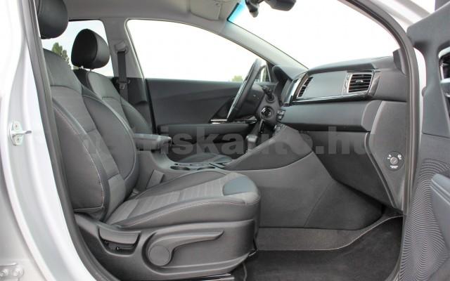 KIA Niro 1.6 GDI EX DCT személygépkocsi - 1580cm3 Hybrid 18832 10/12