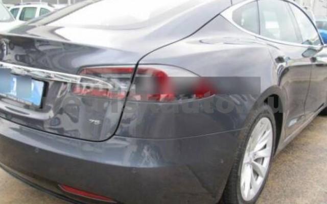 Model S személygépkocsi - cm3 Kizárólag elektromos 106220 3/12