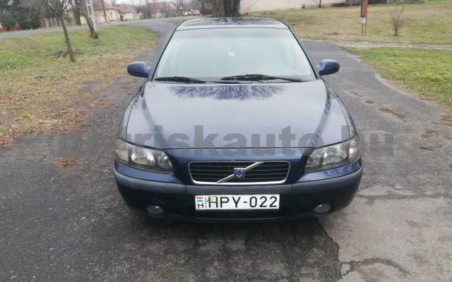 VOLVO S60 2.4 Aut. személygépkocsi - 2435cm3 Benzin 44743 3/5