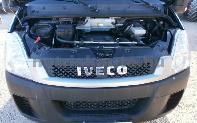 IVECO 50 DailyC 18 LEGNAGYOBB ZÁRT,3,5T,KLÍMA tehergépkocsi 3,5t össztömegig - 2998cm3 Diesel 25830 7/9