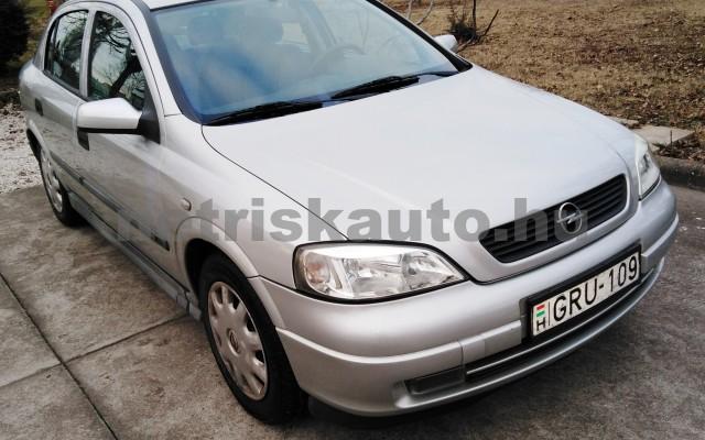 OPEL Astra 1.4 16V Club személygépkocsi - 1388cm3 Benzin 27701 2/12