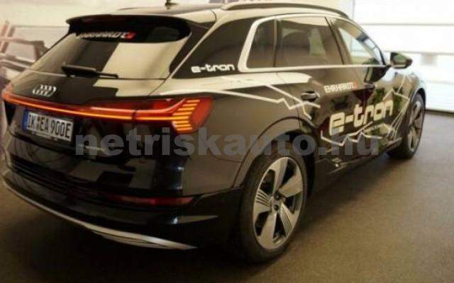 AUDI e-tron személygépkocsi - 2000cm3 Kizárólag elektromos 42573 2/7