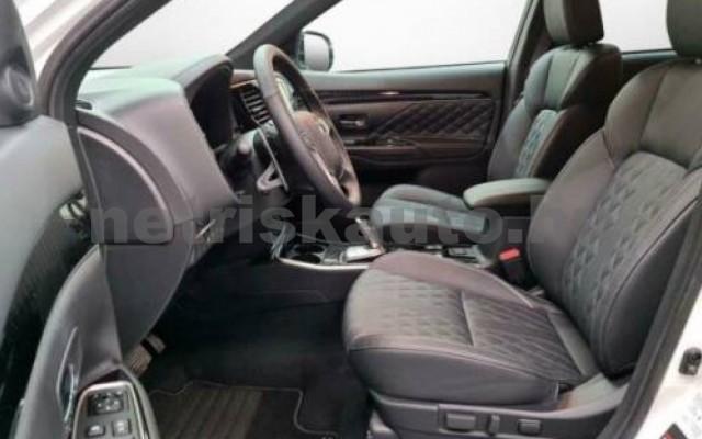 Outlander személygépkocsi - 2360cm3 Hybrid 105710 4/10