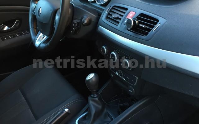 RENAULT Mégane 1.9 dCi Dynamique személygépkocsi - 1870cm3 Diesel 27395 8/8