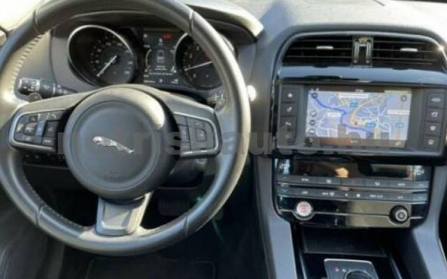 F-Pace személygépkocsi - 1997cm3 Benzin 105494 5/10
