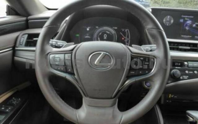 ES 300 személygépkocsi - 2487cm3 Hybrid 105613 11/12