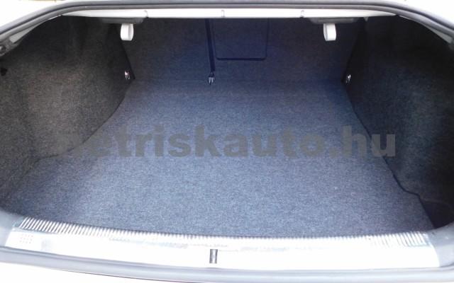 SKODA Superb 2.0 Comfort személygépkocsi - 1984cm3 Benzin 98277 11/12