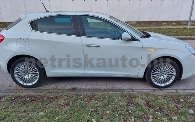 ALFA ROMEO Giulietta 1.6 JTDM-2 Distinctive személygépkocsi - 1598cm3 Diesel 76868 6/29