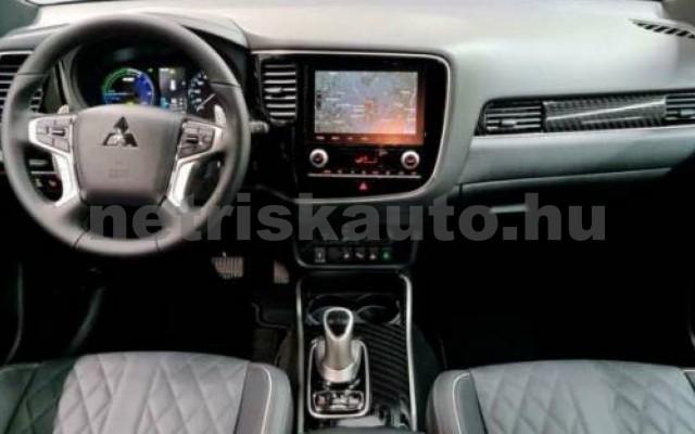 Outlander személygépkocsi - 2360cm3 Hybrid 105710 7/10