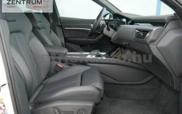 AUDI e-tron személygépkocsi - 2000cm3 Kizárólag elektromos 42580 7/7