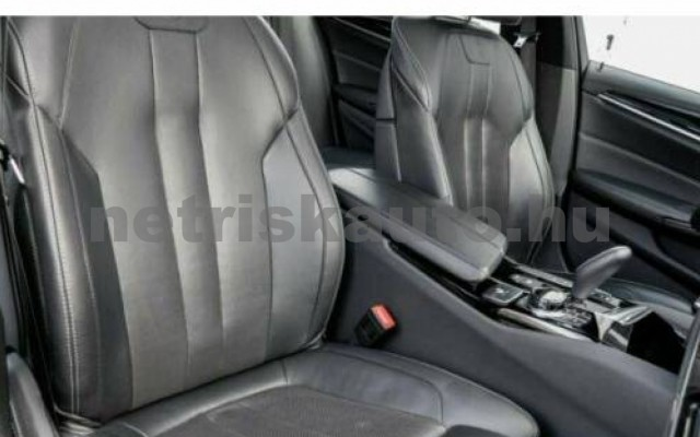 550 személygépkocsi - 4395cm3 Benzin 105128 6/10