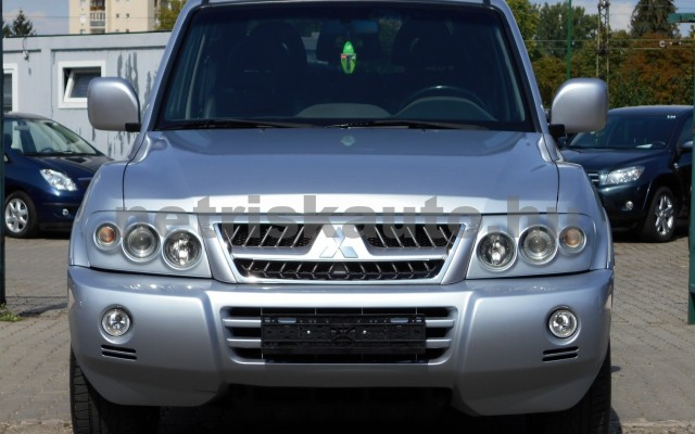 MITSUBISHI Pajero 3.2 DI MT Dakar személygépkocsi - 3200cm3 Diesel 18324 2/8