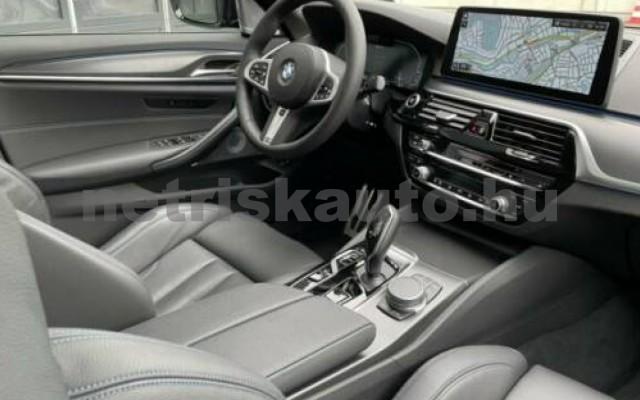 545 személygépkocsi - 2998cm3 Hybrid 105111 3/9