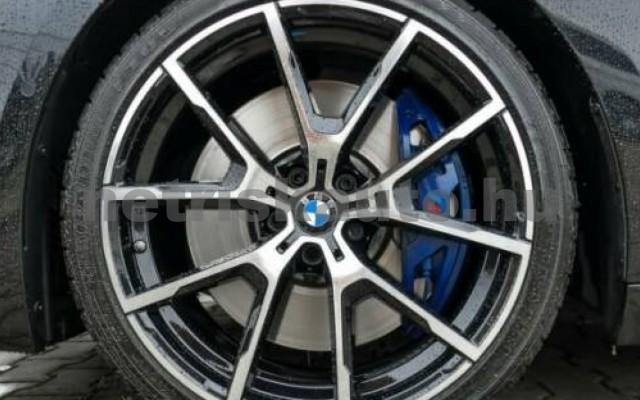 840 személygépkocsi - 2998cm3 Benzin 105196 3/10