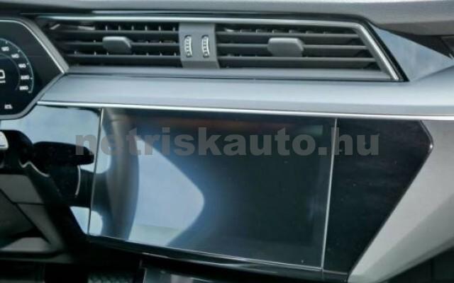 AUDI e-tron személygépkocsi - 2000cm3 Kizárólag elektromos 42570 7/7