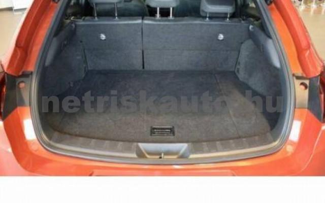 UX személygépkocsi - 1987cm3 Hybrid 105647 9/12