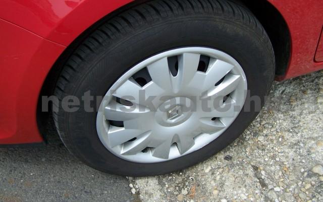 RENAULT Clio 1.2 16V Taboo személygépkocsi - 1149cm3 Benzin 98310 6/12