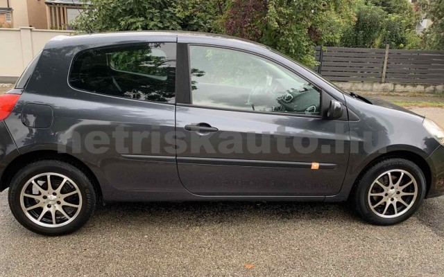 RENAULT Clio 1.4 16V Dynamique személygépkocsi - 1390cm3 Benzin 106537 6/29
