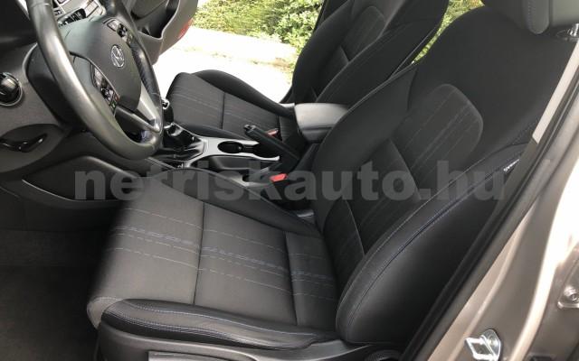 HYUNDAI Tucson 1.7 CRDi Comfort személygépkocsi - 1685cm3 Diesel 104527 12/12