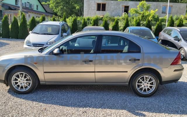 FORD Mondeo 1.8 Ambiente személygépkocsi - 1798cm3 Benzin 44871 5/12