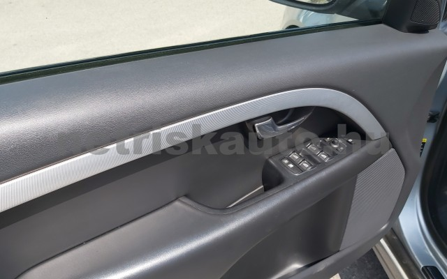 VOLVO V70/XC70 2.4 D XC AWD Summum Geartronic személygépkocsi - 2400cm3 Diesel 98311 9/12