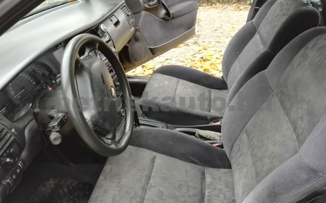 OPEL Vectra OPEL VECTRA B Caravan 2.0 16V CDX  személygépkocsi - 1998cm3 Benzin 37548 3/6
