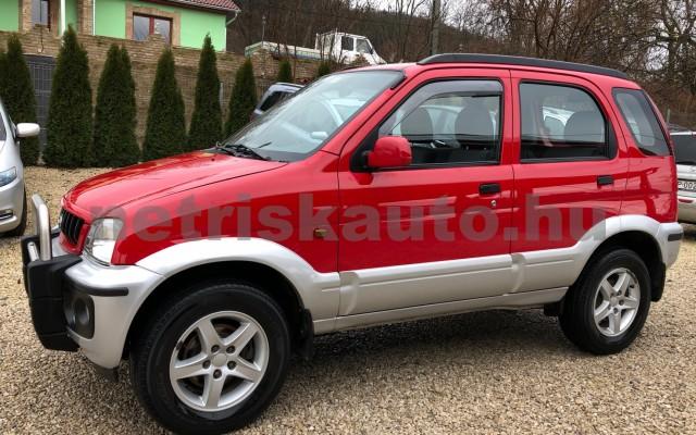 DAIHATSU Terios 1.3 Top személygépkocsi - 1298cm3 Benzin 74367 2/12