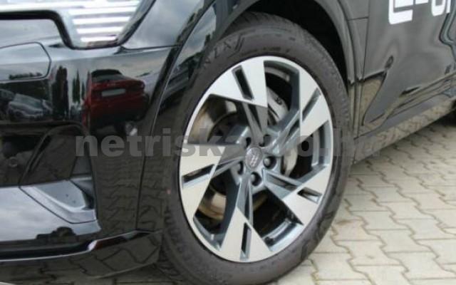 AUDI e-tron személygépkocsi - 2000cm3 Kizárólag elektromos 42571 5/7