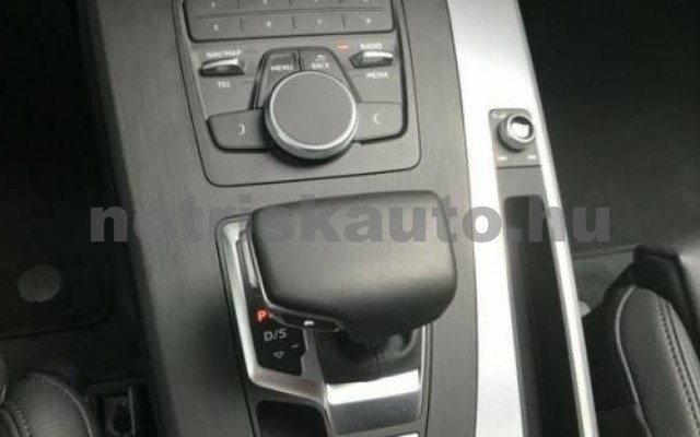Q5 személygépkocsi - 1968cm3 Diesel 104760 10/12