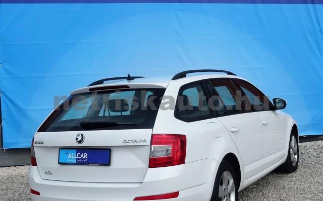 SKODA Octavia 1.6 CR TDI Elegance DSG személygépkocsi - 1598cm3 Diesel 18625 4/12