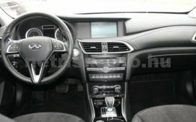 Q30 1.6t Pure DCT személygépkocsi - 1595cm3 Benzin 105435 7/12