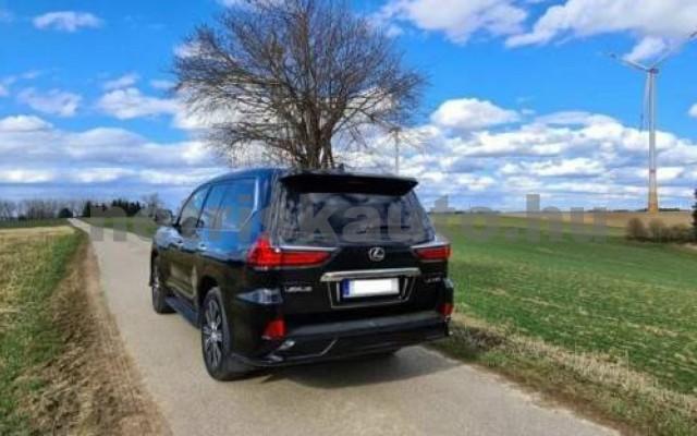 LX 570 személygépkocsi - 5663cm3 Benzin 105666 10/12