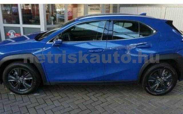 UX személygépkocsi - 1987cm3 Benzin 105639 2/12