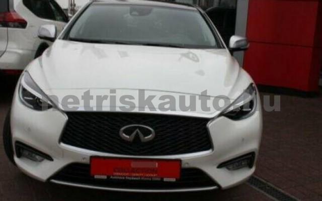 Q30 1.6t Pure DCT személygépkocsi - 1595cm3 Benzin 105435 2/12