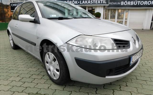 RENAULT Mégane 1.5 dCi Authentique személygépkocsi - 1461cm3 Diesel 29274 2/12