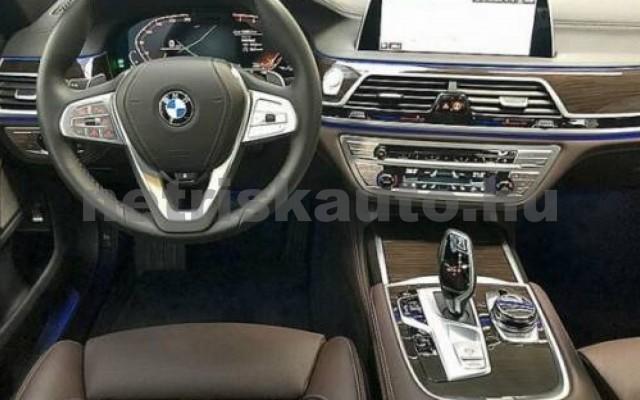 BMW 740 személygépkocsi - 2998cm3 Benzin 109979 8/12