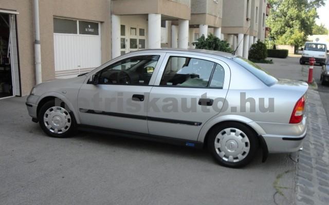 OPEL Astra 1.4 16V Club személygépkocsi - 1388cm3 Benzin 27430 10/10